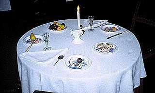 Dynner Logo (A Table set for Dinner)
